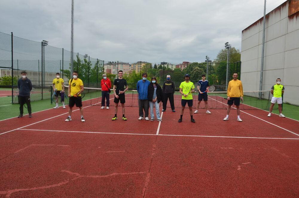 escola de tenis justo al revés e clube de tenis cdl